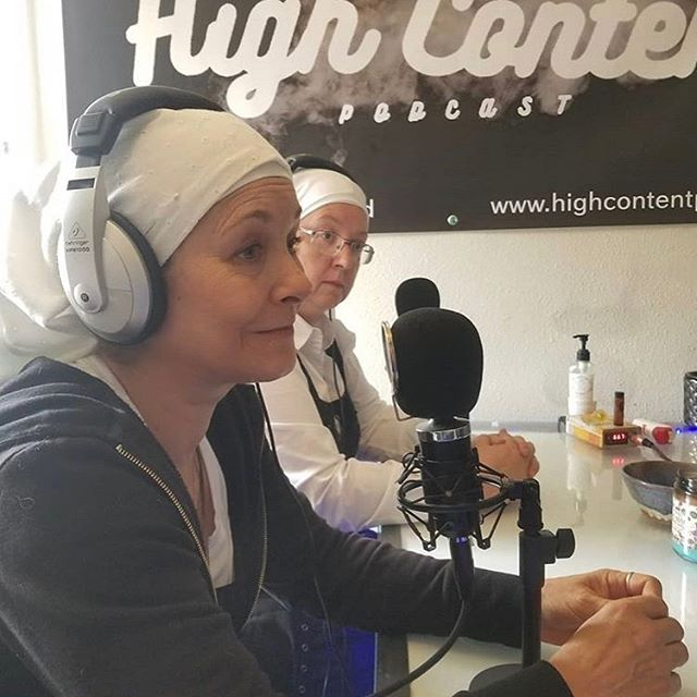 Just dropped our episode with @sistersofthevalley 🎧🎤😇 We talk CBD, activism and much more !💨 Take a listen 👂  Link in bio 💭