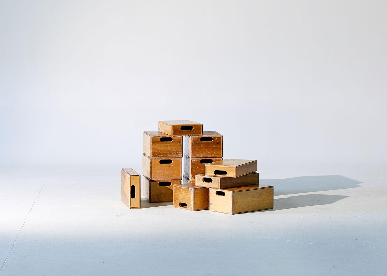 apple_boxes_2.jpg