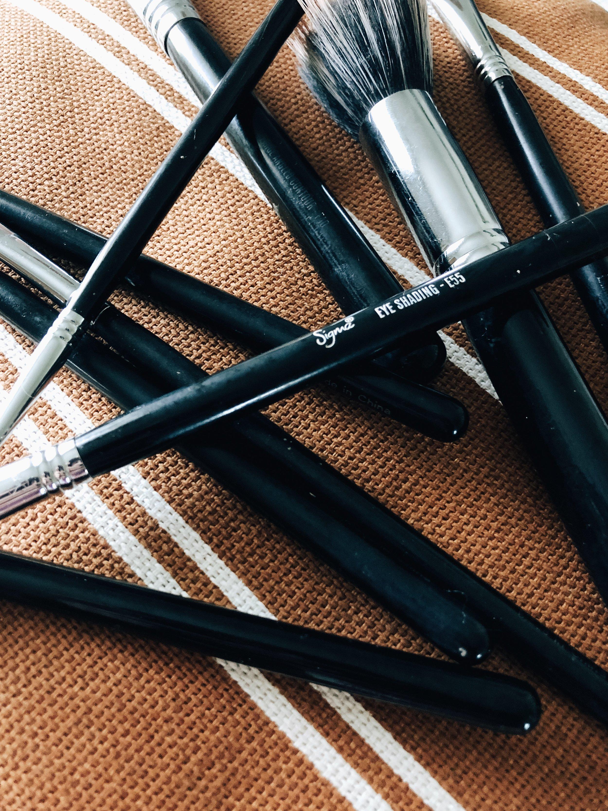 sigma-makeup-brushes-black.jpg