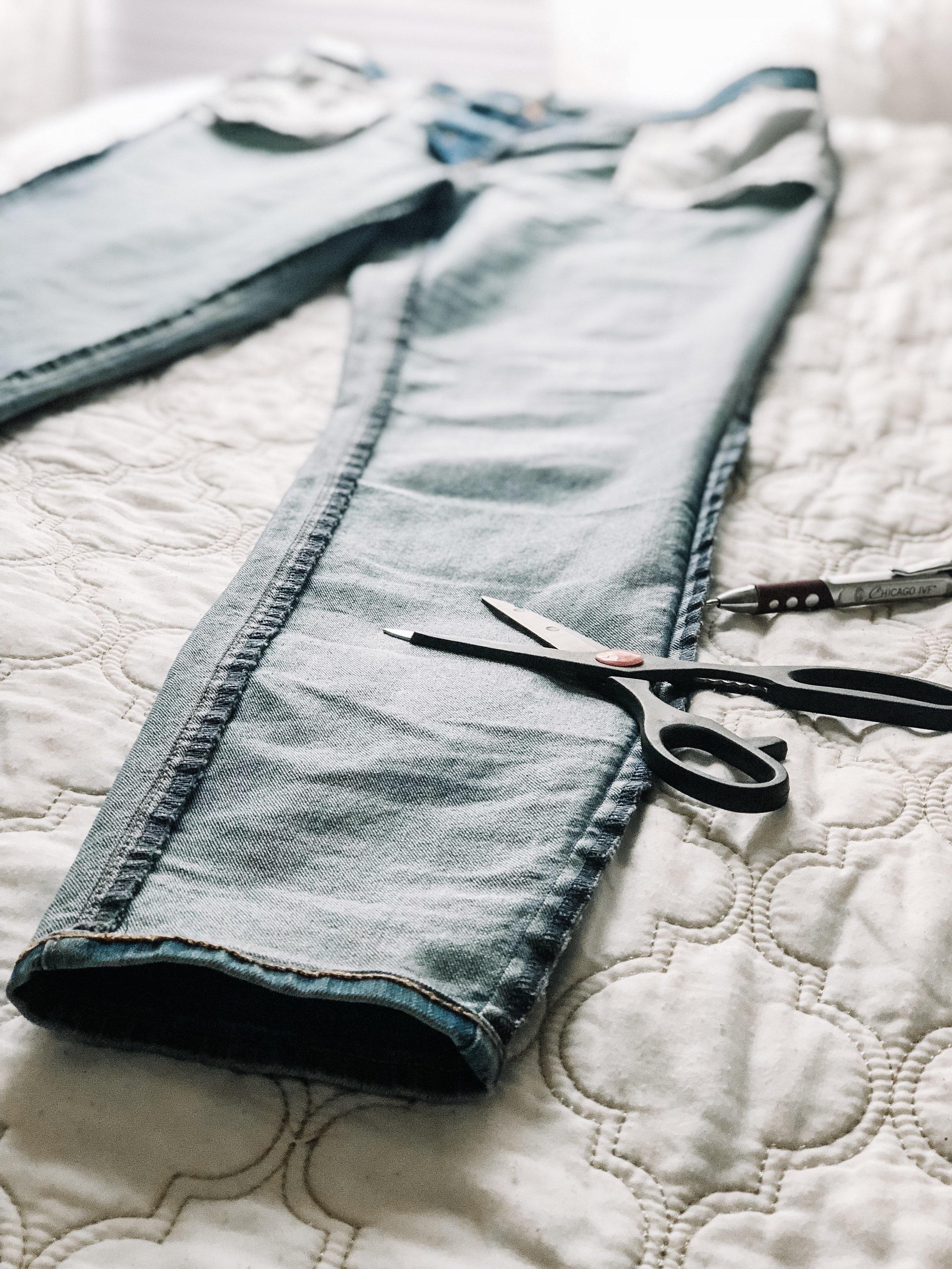diy-step-hem-denim-jeans-thredup-old-navy-3