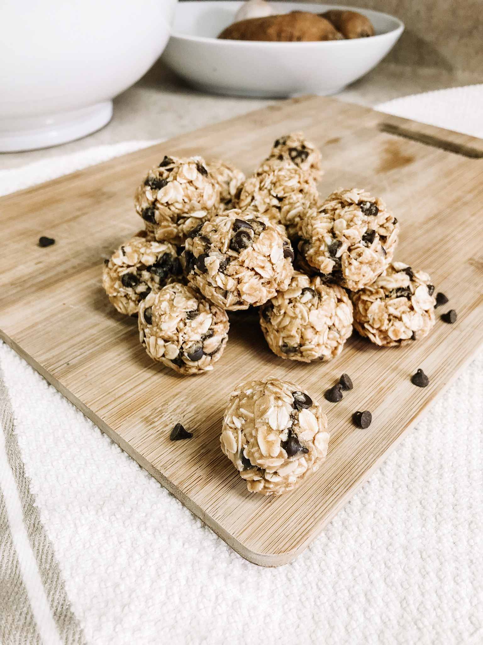 No-Bake-Easy-Protein-Peanut-Butter-Oat-Balls-1
