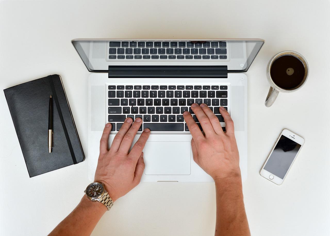 Computer-Notebook-Desk-Laptop-Table-Work-Office-601540.jpg
