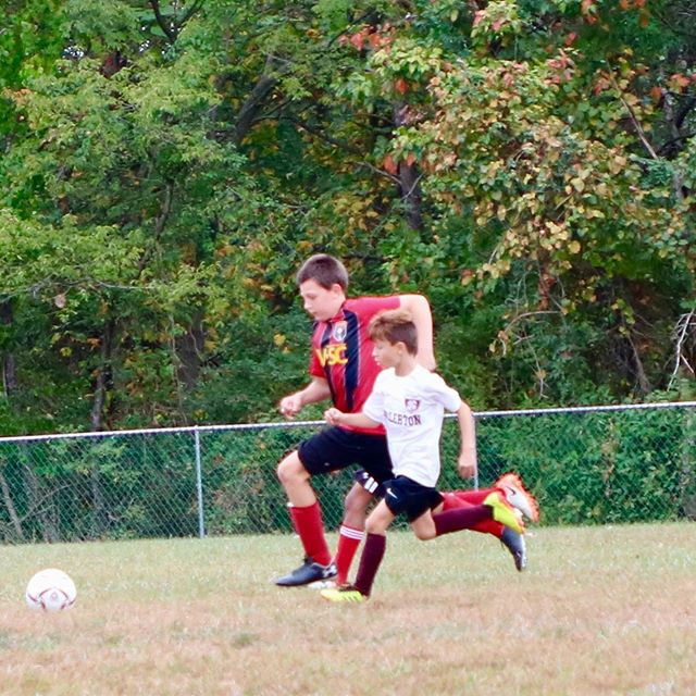 This week's photo of the week is a David versus Goliath moment between U10 player Landon Schuler and his opponent from Saturday morning. Despite the size differential, Landon's team won their game 2-1. Some good submissions this week....keep them coming. Go St. Joe's! #wolfpackstrong 🐺⚽️🐾