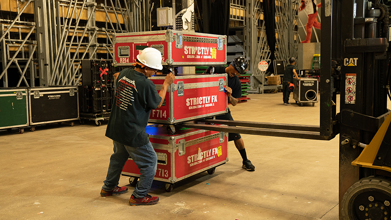 Stagehands- Loaders