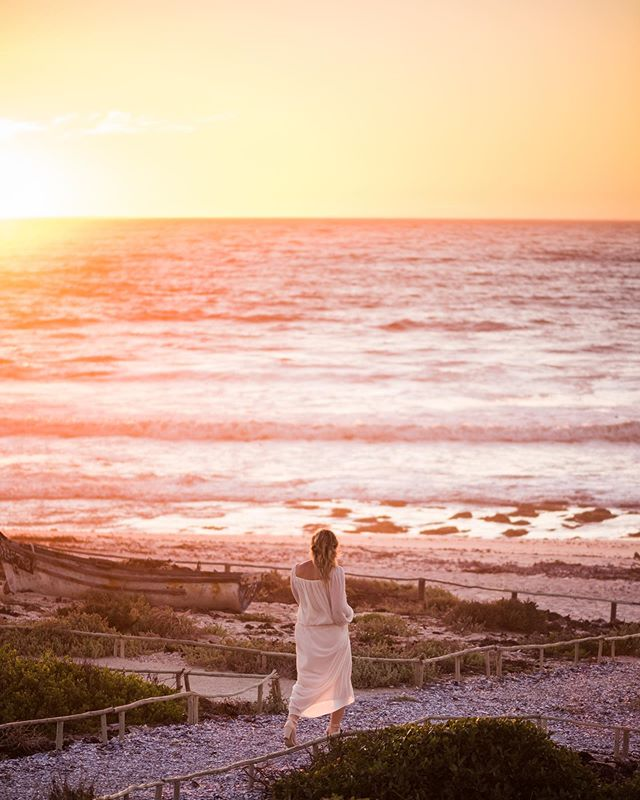 🌅☀️💛 . . . . Photo by @dawidvanniekerk 👌🏻 . . . #sunset #nofilter #africansunset #family  #westcoastsunset #livingfortheweekend  #oppiduin #grootvleiguestfarm #sunset #peace  #proudlysouthafrican #holiday  #honeymoonsuite #travelsa #sa #travel #adventureisoutthere #waves #sunset #lovewins #lambertsbay #westcoast #westerncape  #destinationwedding #travelZA #localislekker #farmstays #roomwithaview #lambertsbaai #innituin