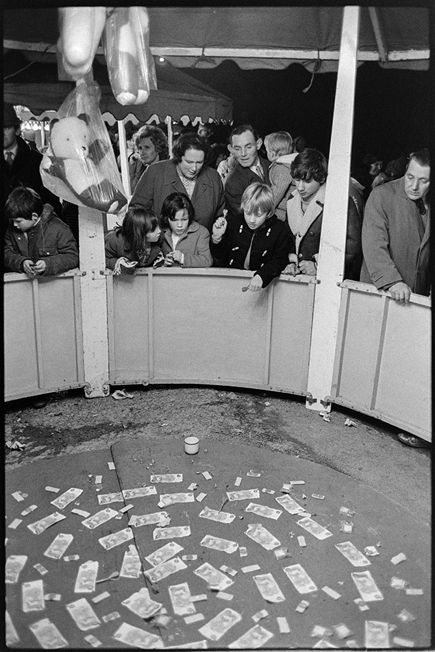 Money stall at the carnival, 6 November 1974