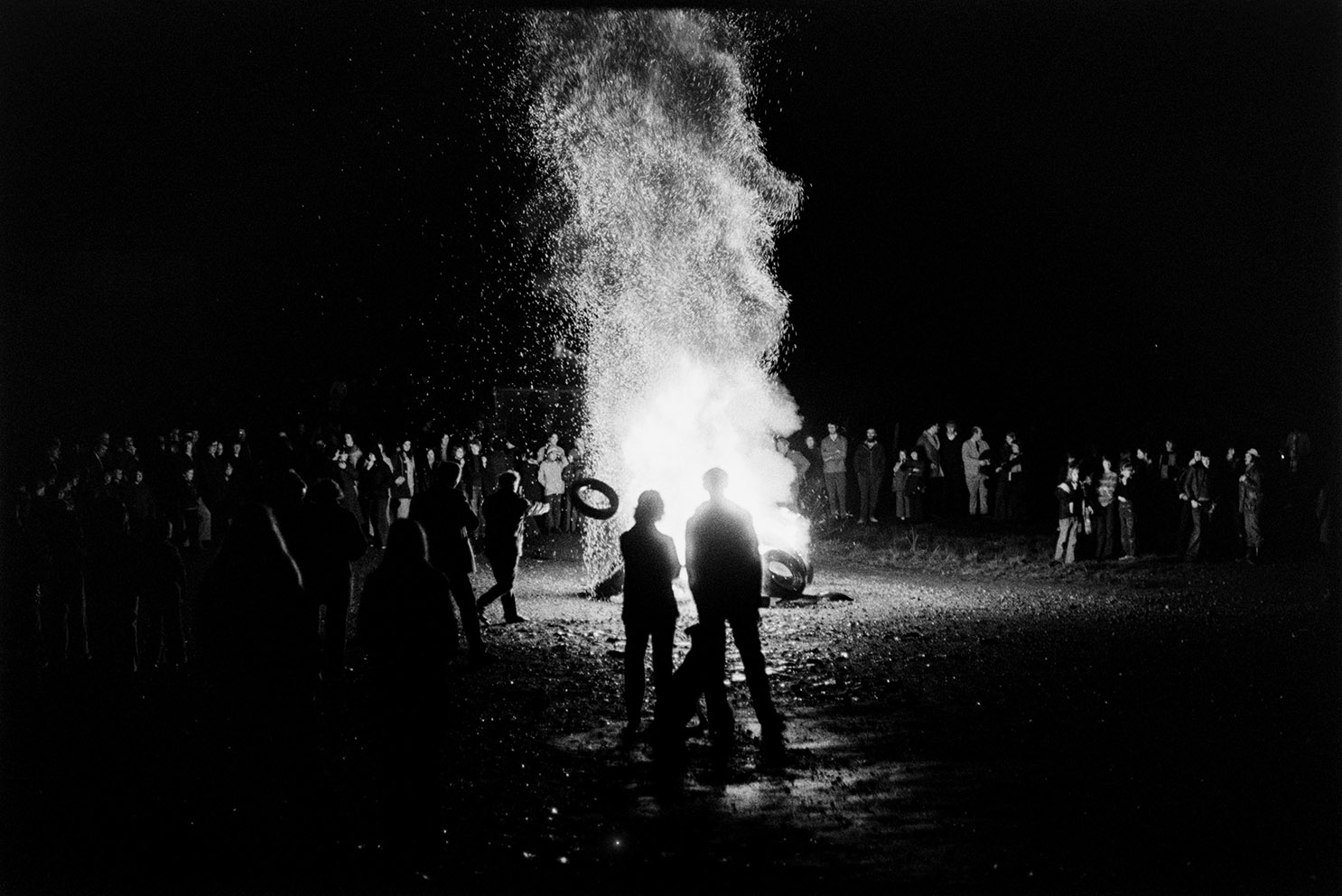 Burning tyres, Hatherleigh Carnival, November 1975