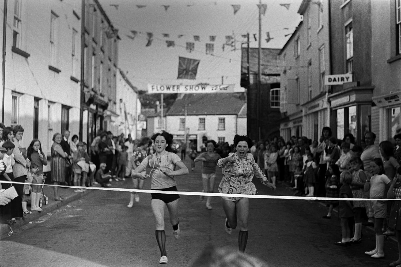 Chulmleigh Fair, July 1972. Documentary photograph by Roger Deakins.