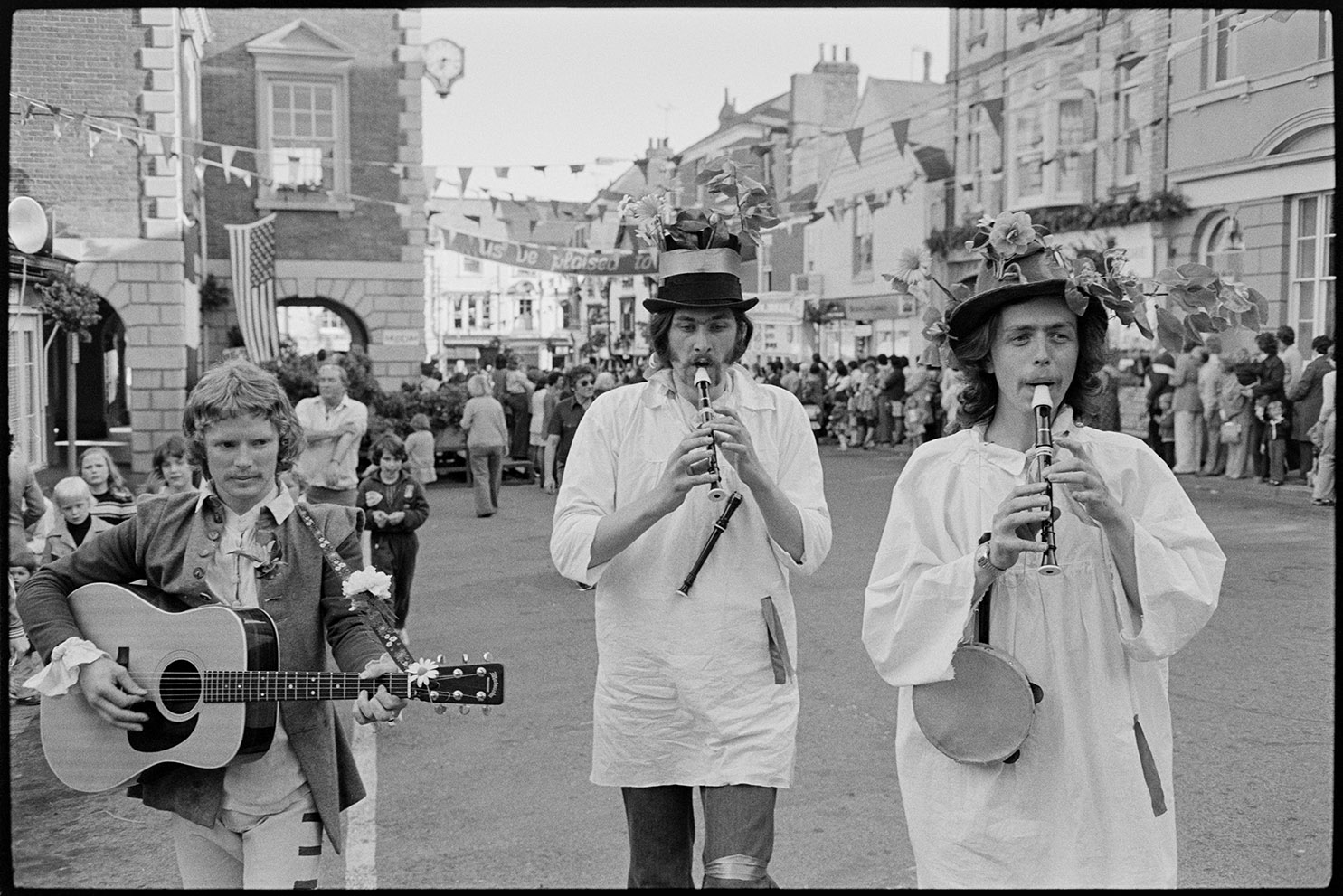 Torrington May Fair, Torrington, 5th August, 1976. Documentary photograph by James Ravilious for the Beaford Archive © Beaford Arts
