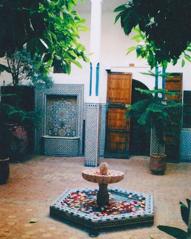 Thinking back to all the peaceful courtyards, away from the hustle and bustle in Marrakech. I love all the geometric tile work and find it very inspiring #inspiration #icjewellery #marrakech #fountain #plants