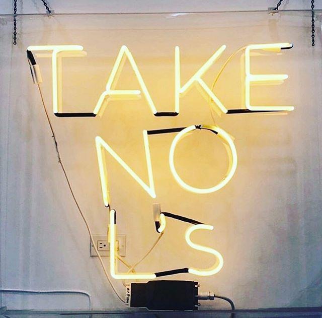Talking to both the @braves and you 😉 Happy Monday! #atlgirlgang photo x @thestyleclubla  . . . . #atlgirlgang #atlgirlboss #girlgang #girlboss #atlanta #pursuepretty #discoveratl #discoveratlanta #weloveatl #whyiloveatl #collaborationovercompetition  #atlevents #eventsatl