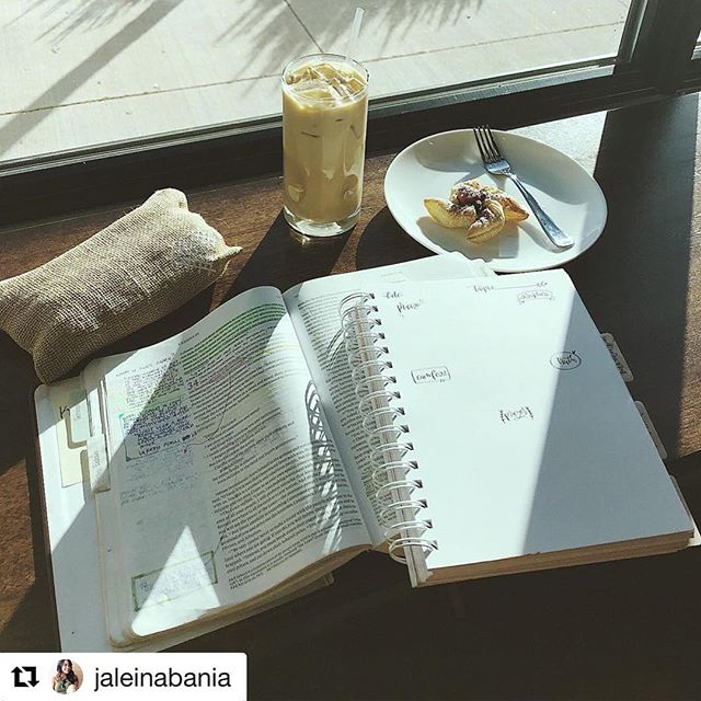 Come spend your Sundays with us. 📸 @jaleinabania . . . . #fortworthcoffee #lovecoffee #coffeeonsouthmainstreet #fortworth #southmain