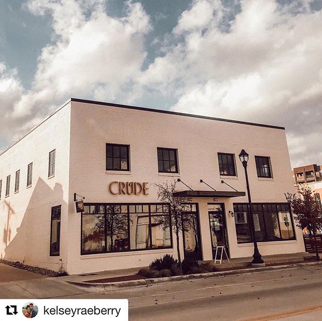 Our mission is to help bring coffee, community and fellowship to South Main. 📸 @kelseyraeberry . . . #coffeeonsouthmainstreet #fortworth #southmain #fortworthcoffee #lovecoffee #craftcoffee #specialtycoffee #familyowned #nowopen #community