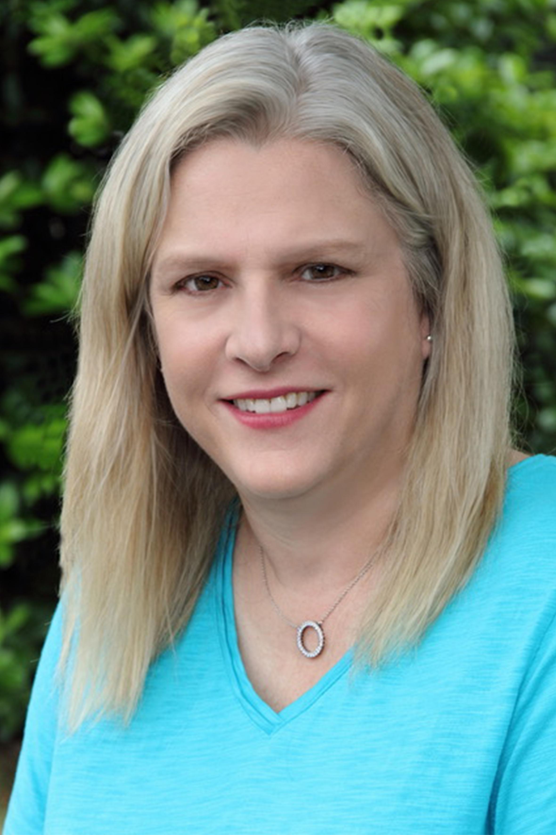 Linda Swindell 2.jpg