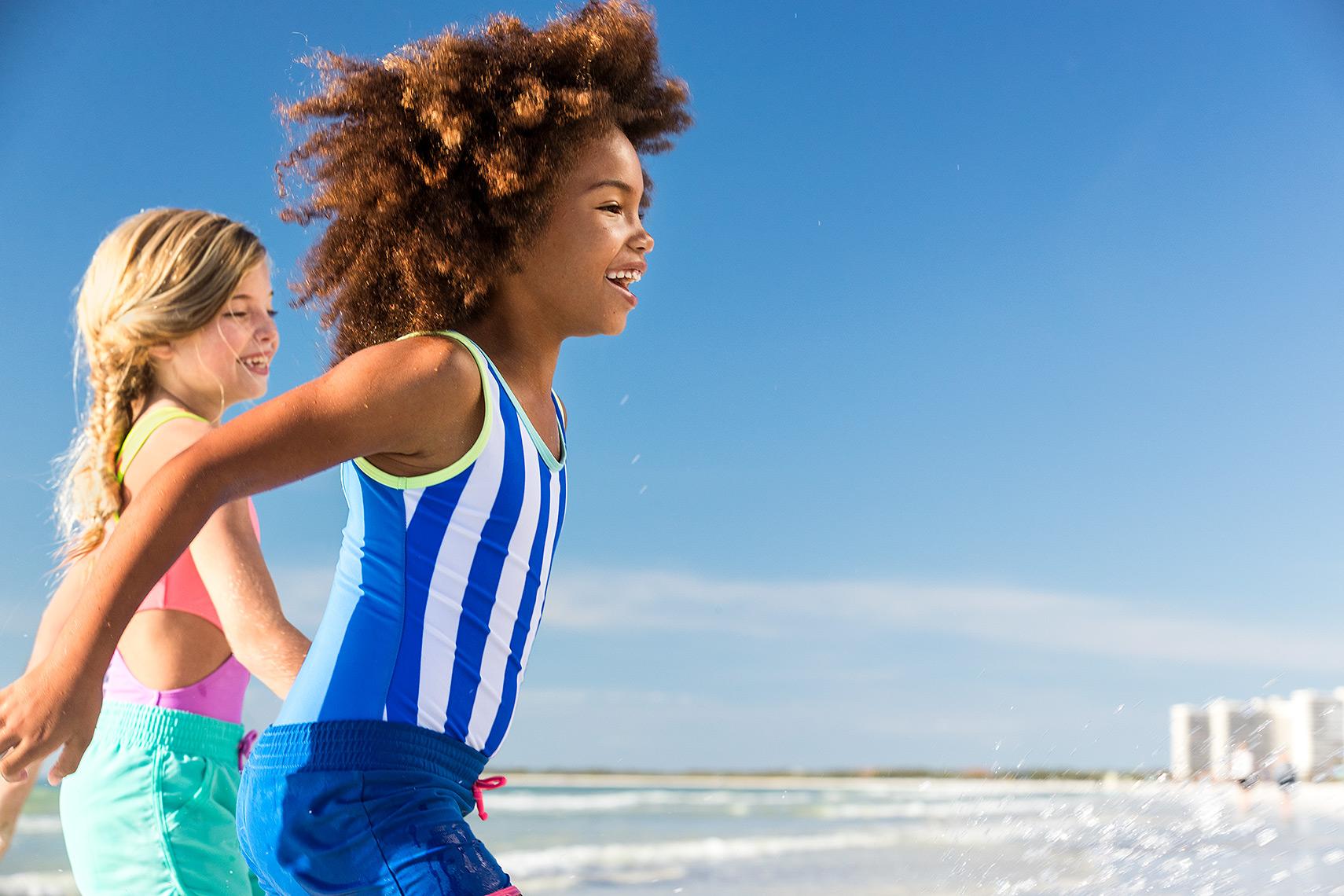 45_Beach_Walking_AA_Caucasian_Girls_Day5_24134-1.jpg