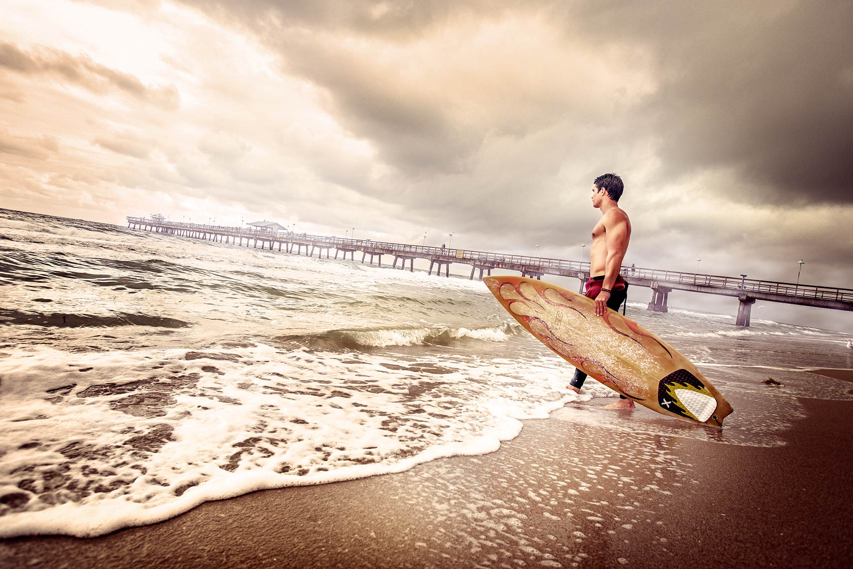 SURFER.BEACH.jpg