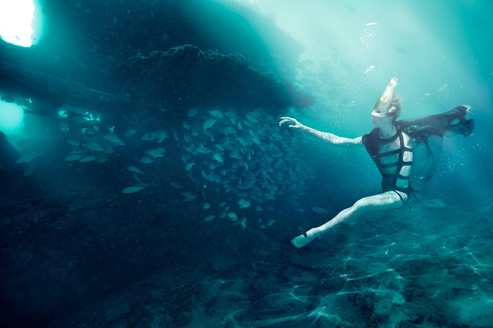 underwater.photographer.jpg