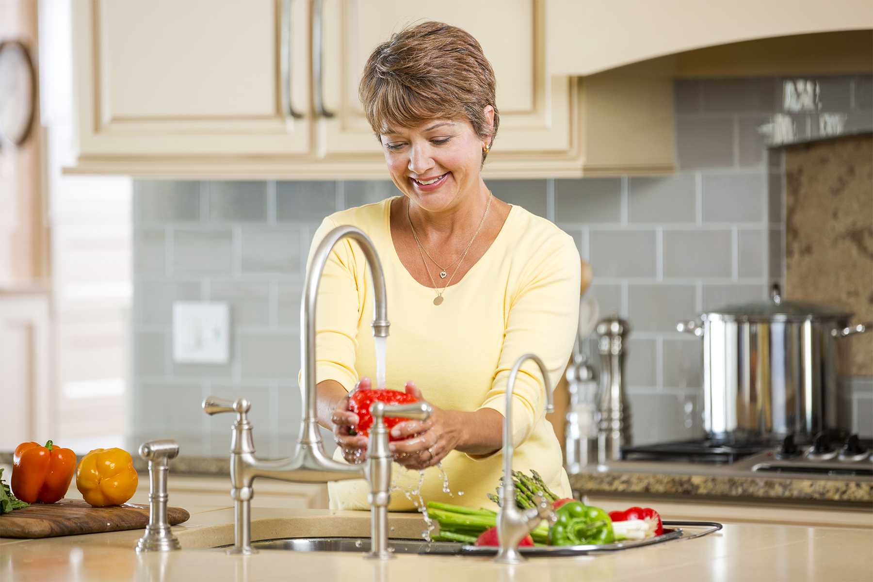 Woman-Washing-Veggies-46_r1.jpg