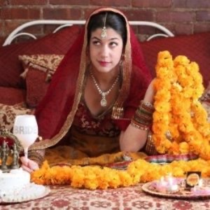 Nina Chhibber Williams - Om Shaadi Om (Edinburgh Festival Fringe 2019)
