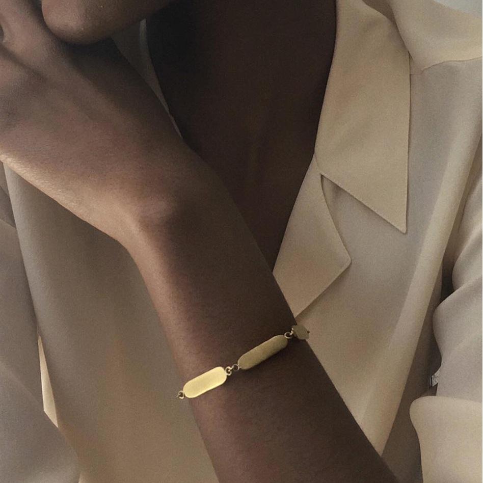 Mahnal_Minimal_Jewelry.png