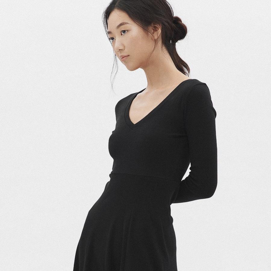 Kotn+Sustainable+Clothing-1.jpg