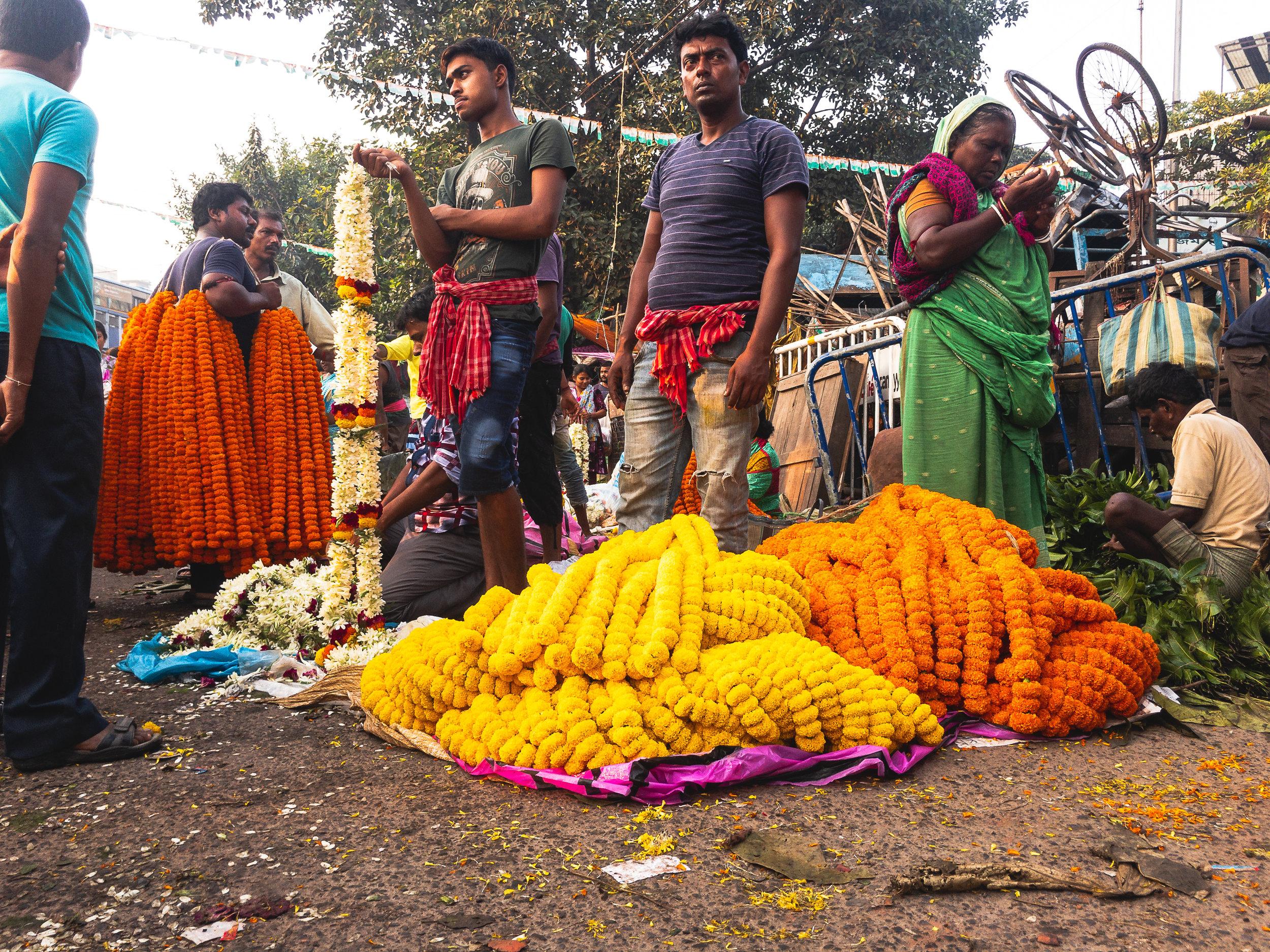Mallik Ghat Flower Market - flower vendors