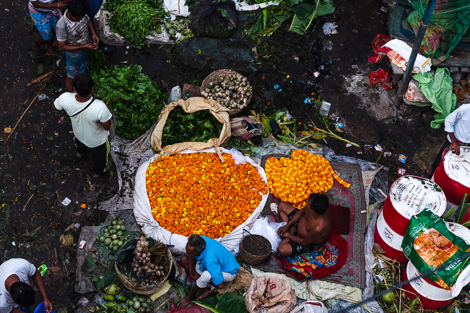 Mallik Ghat Flower Market - top view of vendors selling