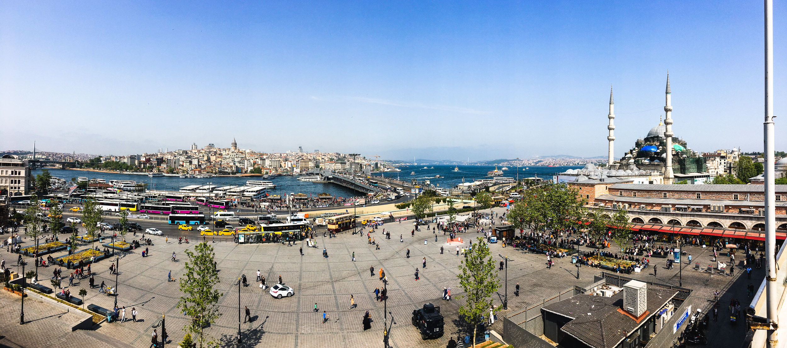 Panorama of Eminonu with the Galata Bridge from the Hamdi Restaurant.