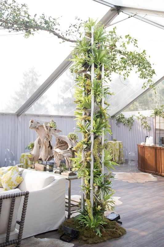 truss, decorated truss, truss with greenery, metal trussing with succulents