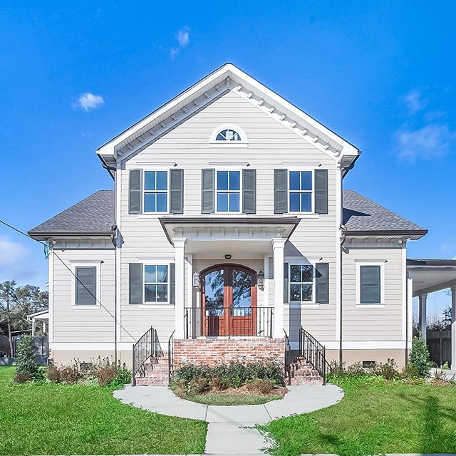 Check out this beautiful new listing at 7004 General Diaz. 4 Bed/3.5 Ba New Construction in Beautiful Lakeview. Contact Liz Tardo for more information. Staging provided by New Orleans Luxury Staging