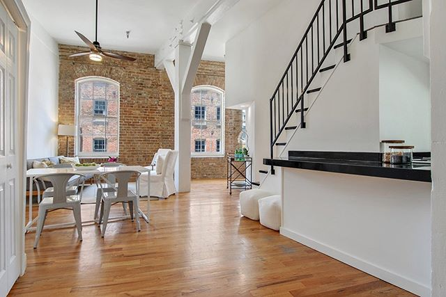 Check out this gorgeous condo in the Warehouse District. 1 bed/ 1 ba with beautiful large windows and exposed brick walls! 700 Commerce #201. Contact Ninh Tran @nola_ninh_realtor with Reve Realtors for more details!  Staging provided by New Orleans Luxury Staging