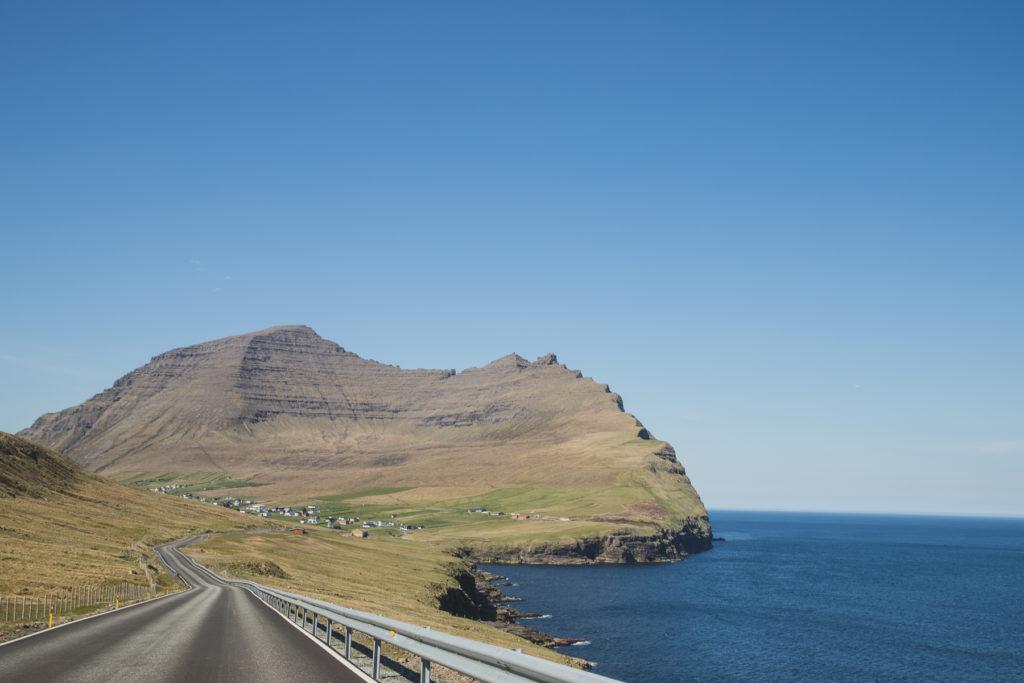Síðan gekk leiðin biltur til Viðareiðis.