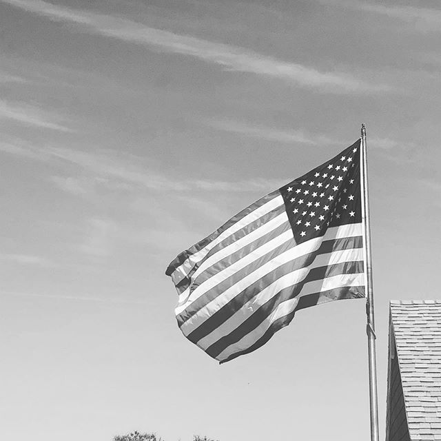Remembering today those who paid the ultimate price so that the rest of us could enjoy freedom. #USA #MemorialDay2019 🇺🇸