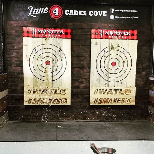 What's better than turning 45? Getting to celebrate by throwing axes with family! It took a lot of extra coaching, but I actually managed to throw three bulls-eyes! Thanks for everything, @smokymountainaxe!