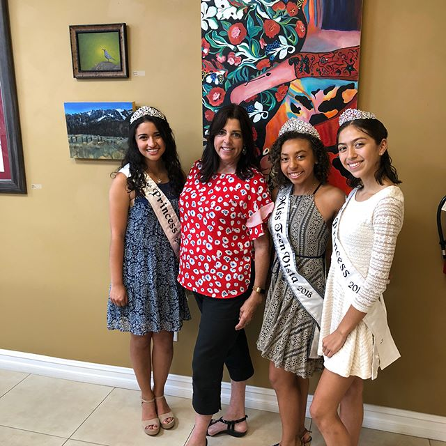 Priscila, Camie and Sandy helped welcome #kellerwilliams at their ribbon cutting at the Chamber offices. #vistaca #vistachamber #vistachamberofcommerce #cityofvista #missvista #missvista #missvista2018 #pageantsisters
