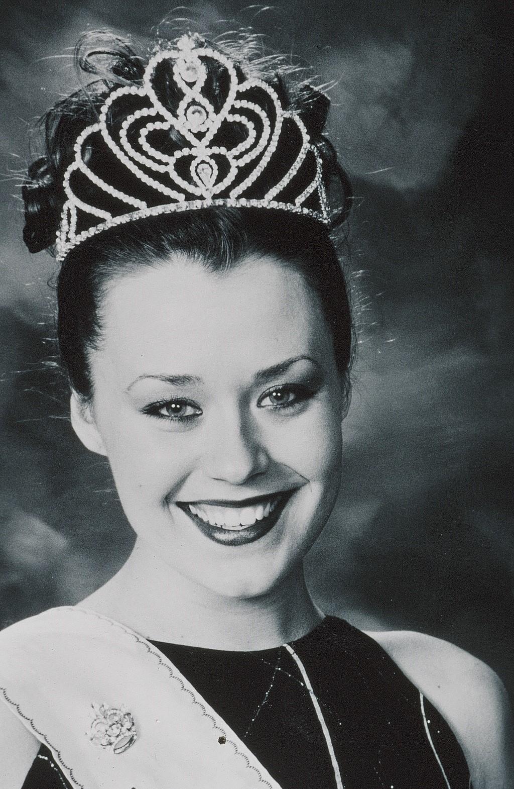Stephanie Hon, Miss Vista 2000