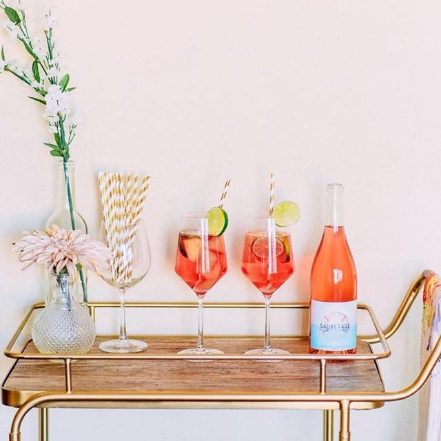"""How are you adding a pop of color into your brand vibes this Summer! Here's an idea💡..... The 2019 Pantone color is Living Coral and it couldn't be more perfect for this up coming sunshine season. They describe the color as """"an animating and life affirming coral hue with a golden undertone that energizes and enlivens with a softer edge."""" Damn, even the description sounds gorgeous!  Ever year Pantone colors inform all elements of design, from visual arts to fashion.  How can you use this information you ask? Well.... the Pantone color of the year leads trends and can be that pop of color that stops people during their IG stroll- because it's relevant! It may not be your brand color, but you can add coral accents for a modern touch to your posts. 📸 @winc"""
