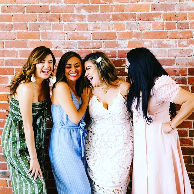 Have you claimed your $75 brand photo credit yet? 🌸 Having fun while investing in yourself and your biz is the best way to learn. I had the privilege of photographing #thebloombrunch last week and the vibe was so positive and uplifting. If you attended the brunch, don't forget to claim your $75 brand photo credit with ME!  If you missed it this time around be sure to make the next Bloom Brunch on September 21. @thebloombrunch for more details.