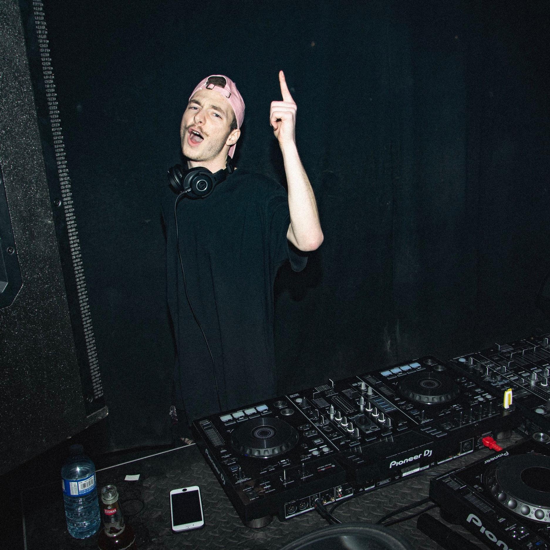 ALEX CHENIER / CHEFNIER    MARKETING  EVENTS COORDINATION  DJ