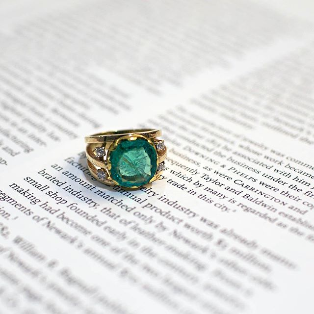 #Emeralds are the #birthstone of May. They are said to bring passion, bliss and unconditional love. ✨ . . #NeilLaneCouture #thoughtfuldesign #emeralds #birthstone #May