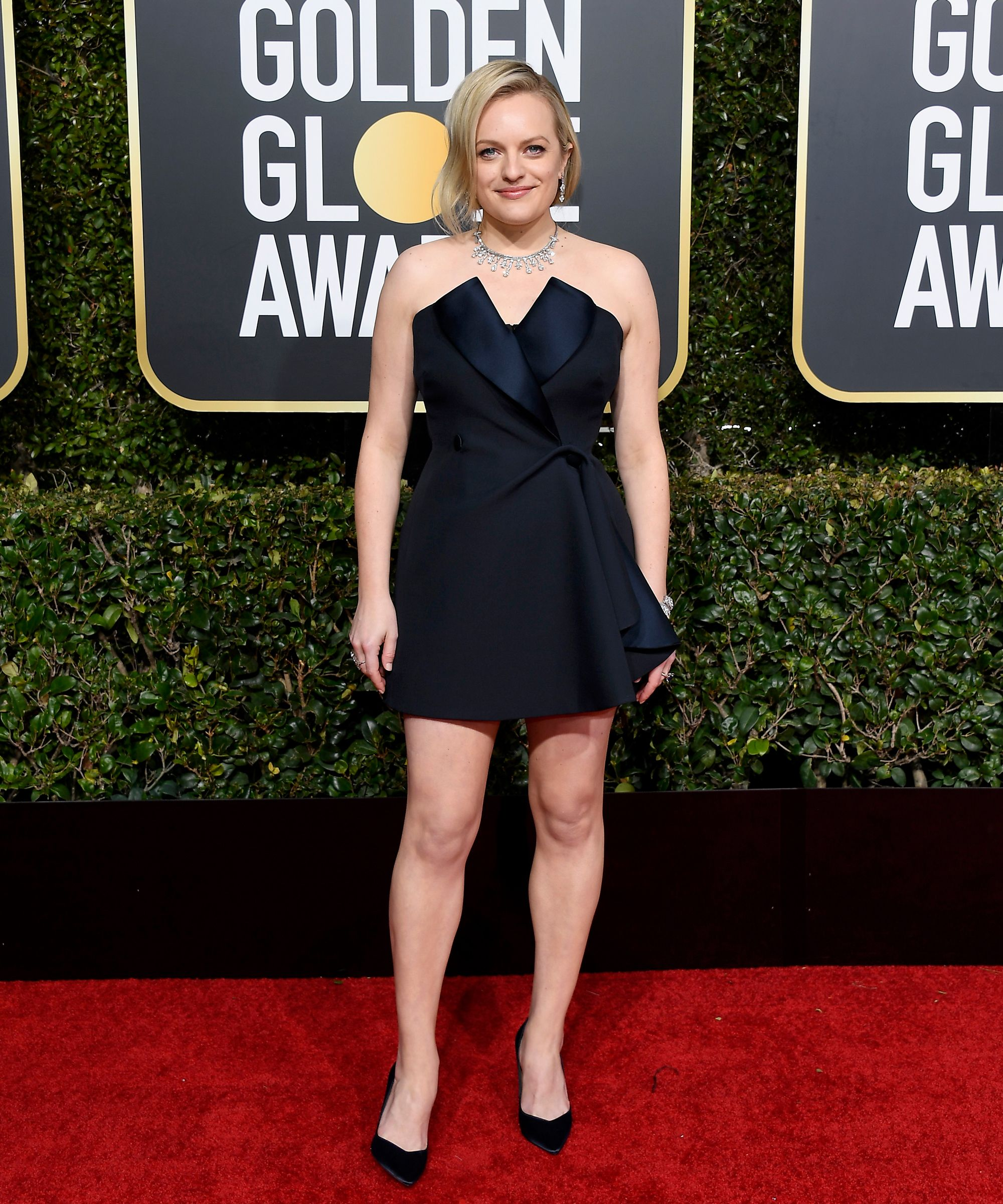 Refinery29: Elisabeth Moss at the 2019 Golden Globes • January 6, 2019