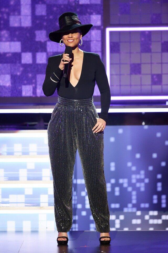 Entertainment Tonight: Alicia Keys at the 2019 Grammys • February 10, 2019