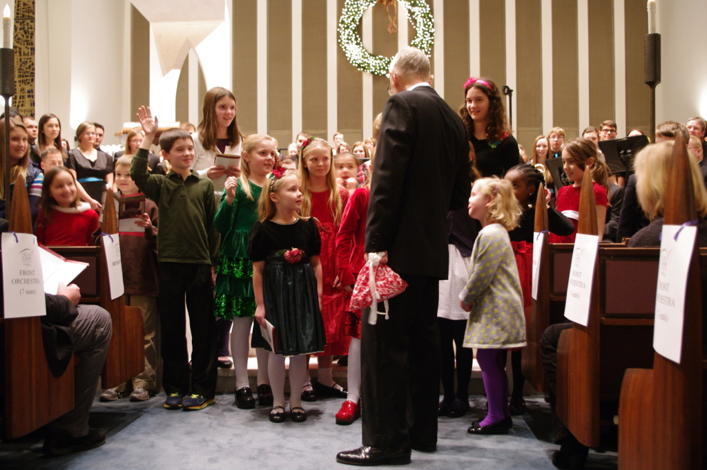 "December 2014, children in the audience sing ""Silent Night"""