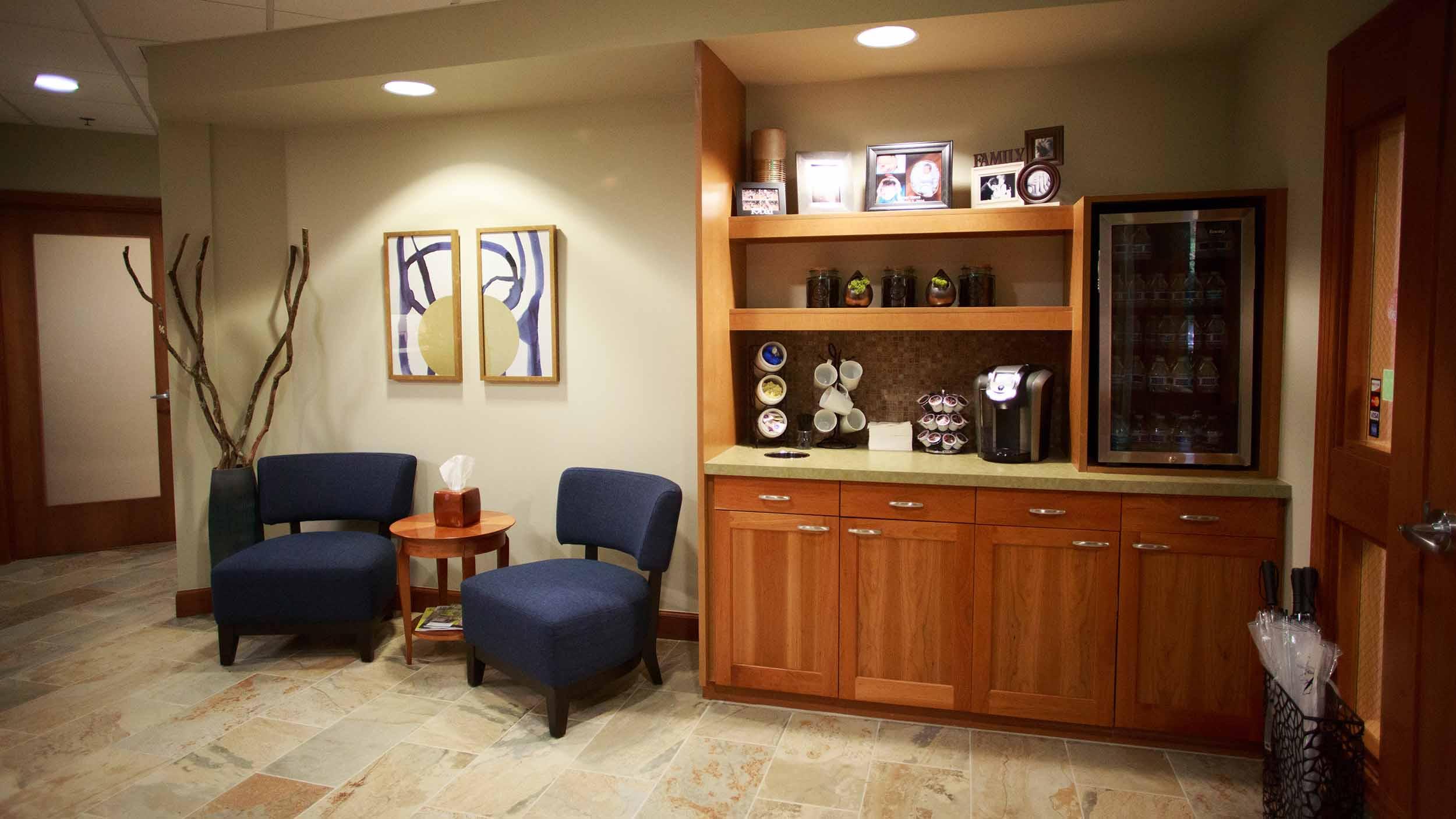 425 Dental Office Tour Web_0007_8-1690-DrOBldg.jpg