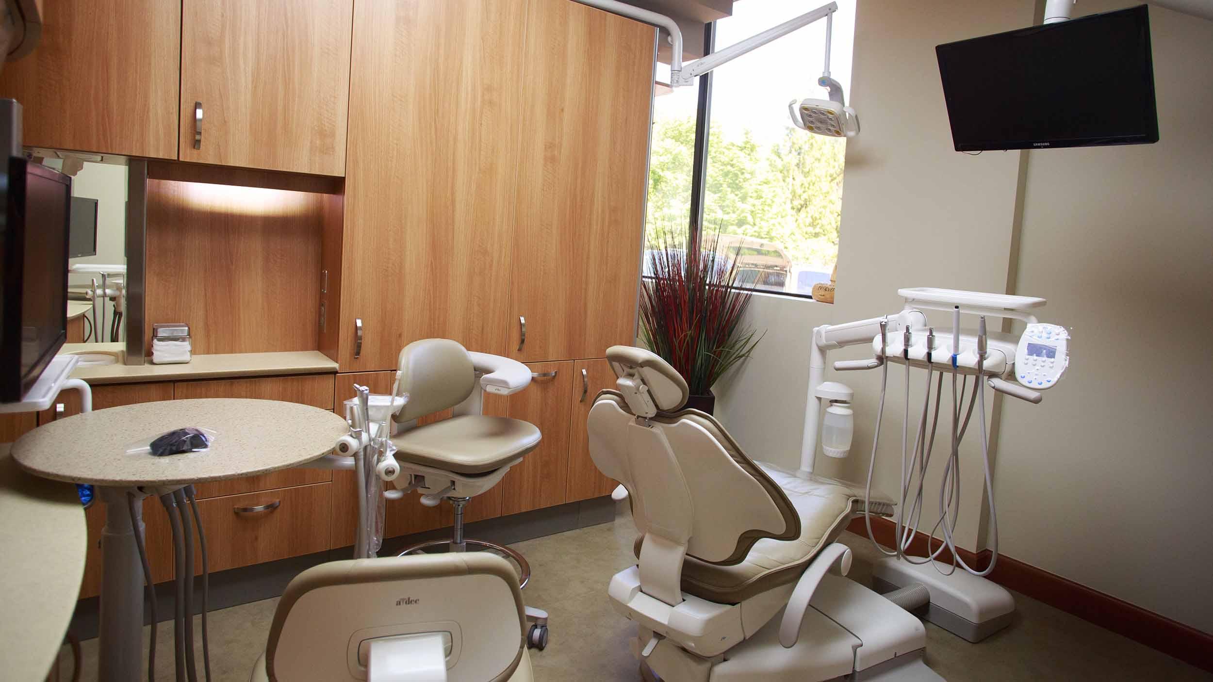 425 Dental Office Tour Web_0012_13-1621-DrOBldg.jpg