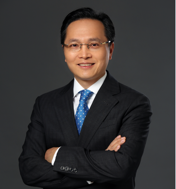 CHuang Headshot.png