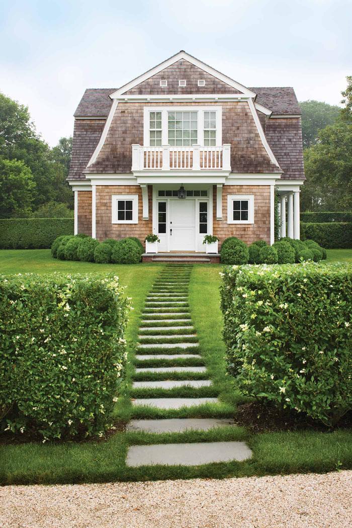 Bridgehampton Residences guest house pathway