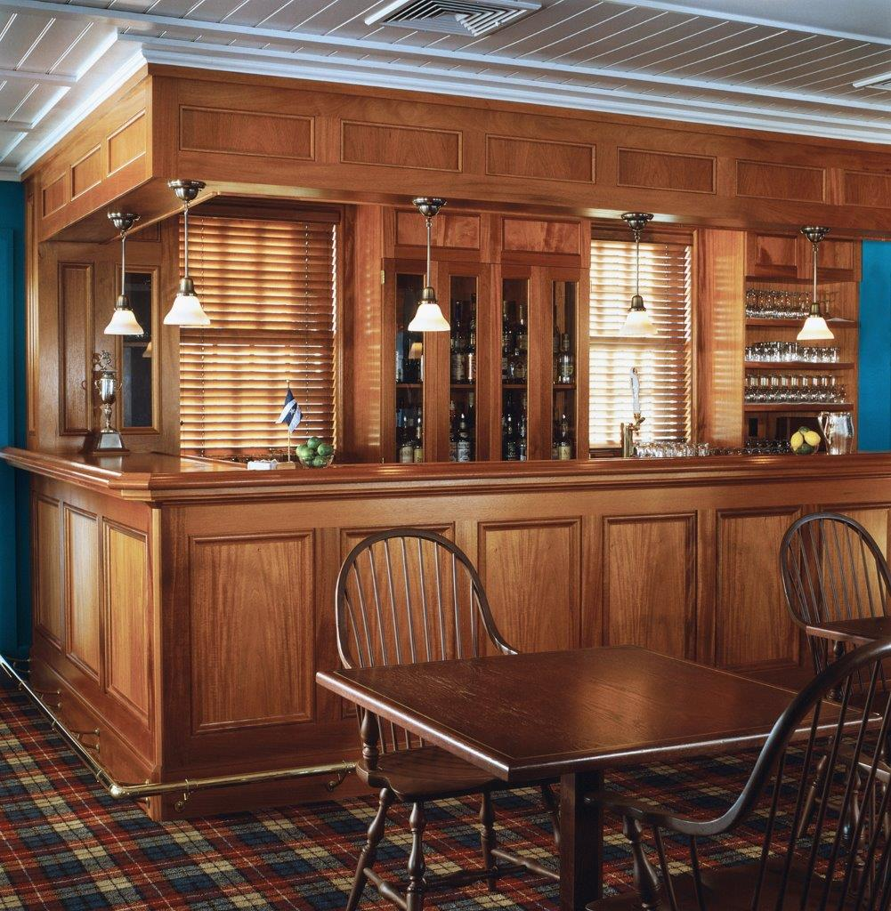 Belle Haven Club bar
