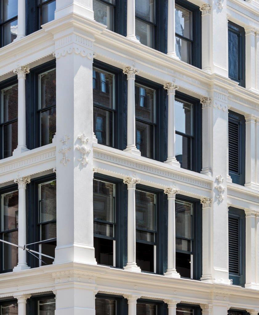 462 Broadway facade detail