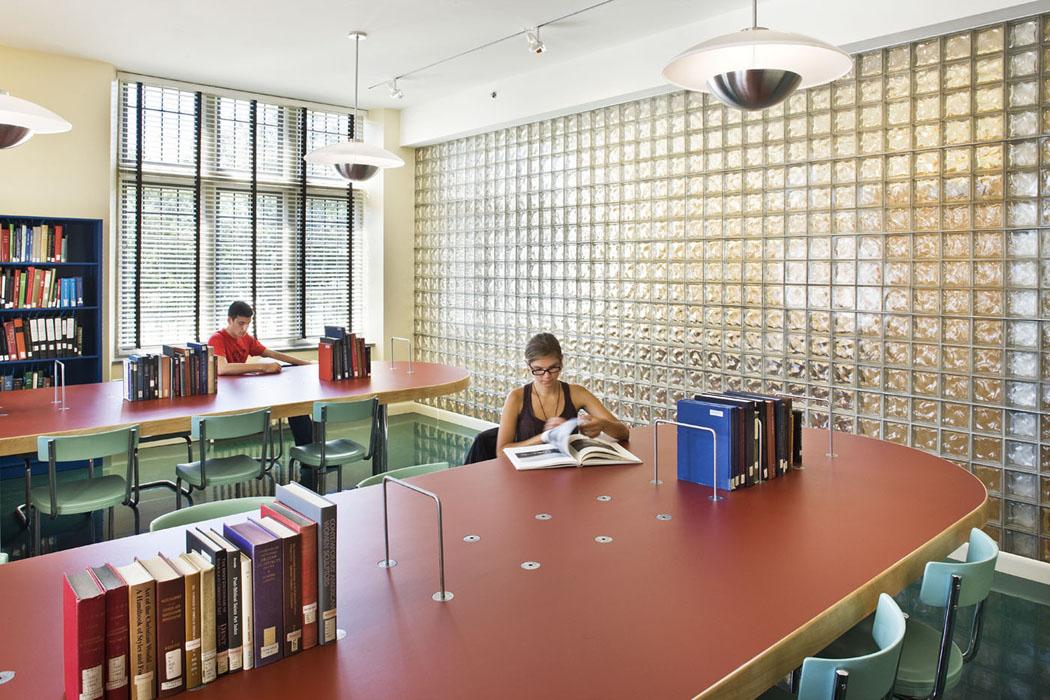 Vassar College, Van Ingen Art Library